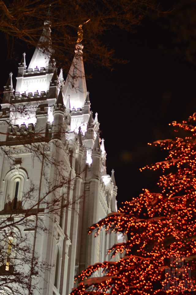 temple-at-christmas
