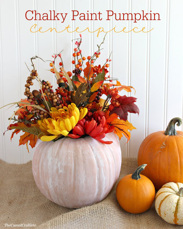 Chalky-Paint-Pumpkin-Centerpiece