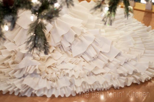 DIY-tree-skirt