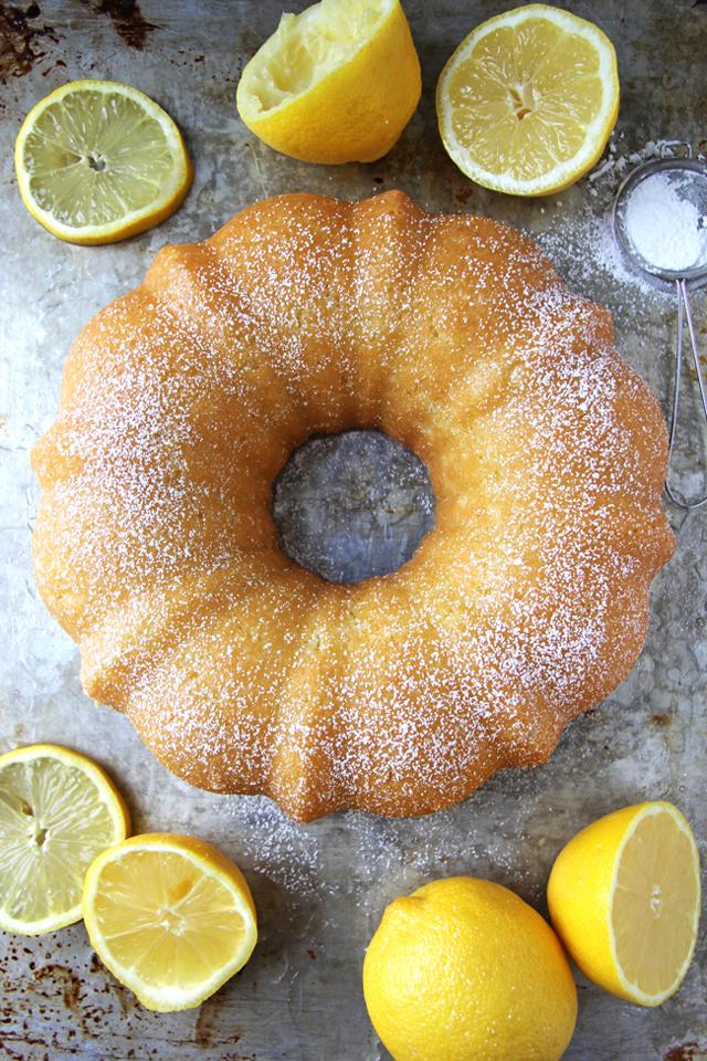 Lemon-Bundt-Cake-A-Pretty-Life