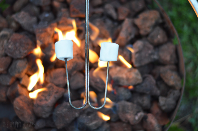 roast-marshmallows