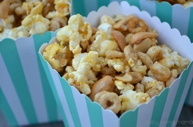 Honey-Nut-Popcorn-Mix-with-Cashews