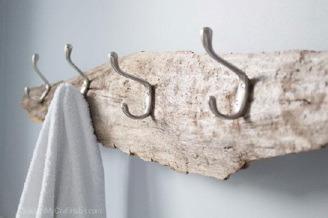 Driftwood+beachy+towel+rack-+SustainMyCraftHabit