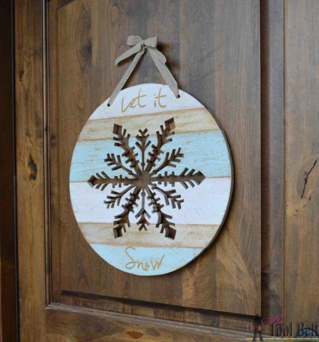 wooden-snowflake-let-it-snow-door-hanger (1)