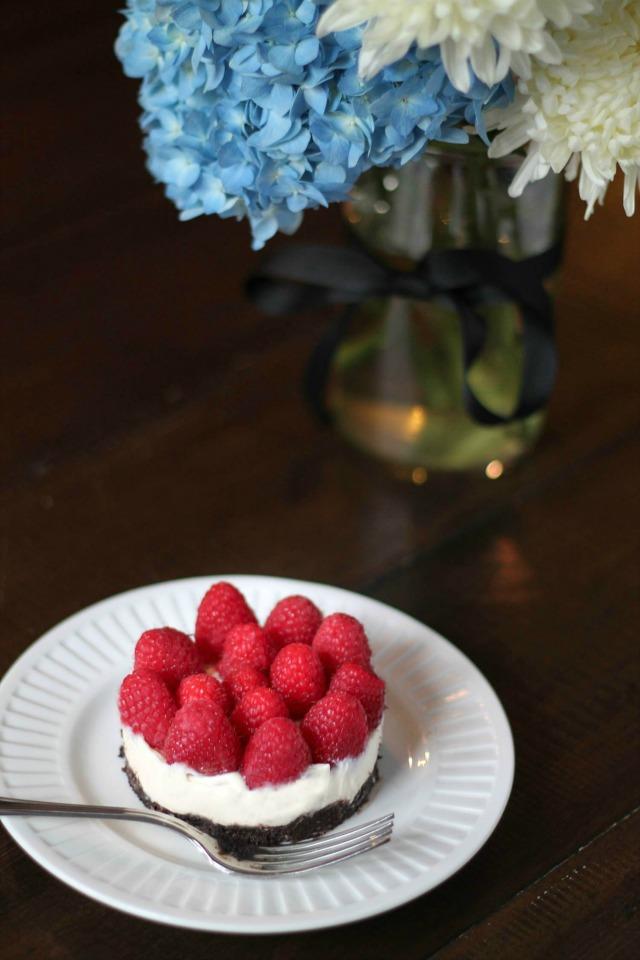 No-Bake-Raspberry-Cheesecake-4-via-The-Kittchen