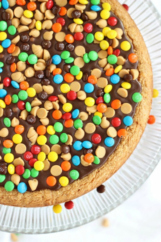 chocolate-peanut-butter-cookie-pizza-13-683x1024