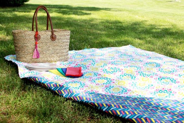 Simple-Picnic-Blanket-Tutorial
