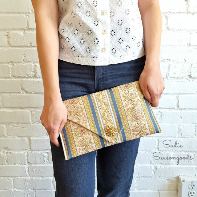 Thrifted_French_jacquard_ribbon_table_runner_repurposed_upcyced_as_clutch_purse_Sadie_Seasongoods