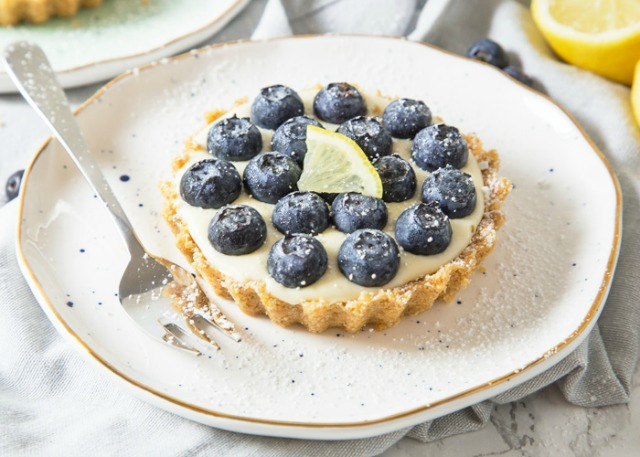 lemon-and-blueberry-tartlets-1b