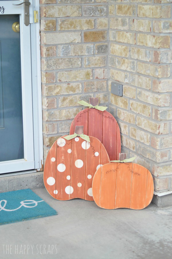 Pumpkins are the perfect decor for any front porch for the entire fall season. Check out this tutorial for finishing these Fall Porch Pumpkins.
