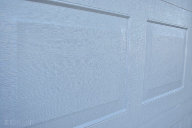 Looking for an Easy House Update? Modern Masters Front Door Paint is one way to bring new life to your home, and it's easy to do.
