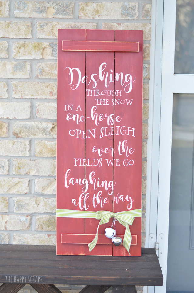 Creating this fun + cute Christmas Front Porch Sign is so easy using the Cricut Explore Air 2. You'll have so much fun designing your own things to cut on this machine.