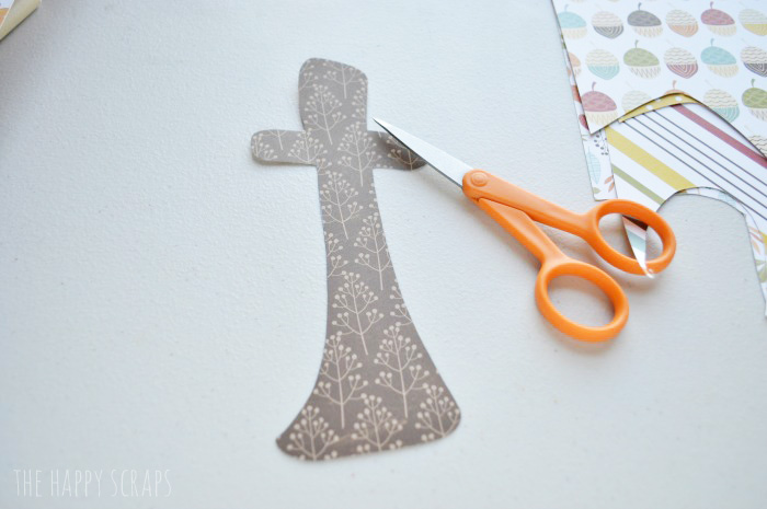 Need some Thanksgiving decor? Make yourself a cute Thanksgiving Gather Letter Set to display for the dinner or throughout the month of November.