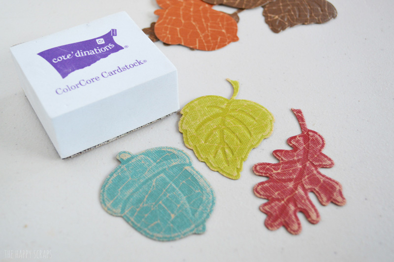 Create this Give Thanks Pocket Banner to hang up for Thanksgiving Dinner as well as write down what you are thankful for in this season of Thanksgiving.