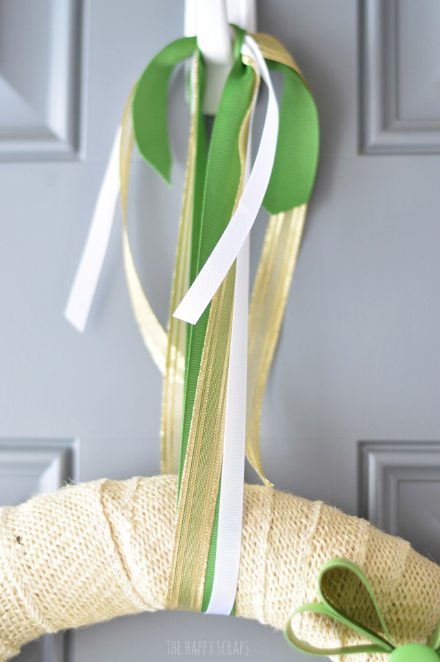 Use your 1-2-3 Punch Board to create this fun + simple Paper Shamrock Wreath. I'm sharing the full tutorial on the blog today.