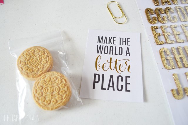 Putting together a Simple End of Year Teacher Gift is easy with these ideas. Make or buy some cookies and throw these together.