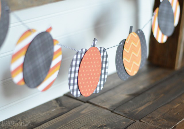 Need a quick Halloween treat to give to a friend? Put together some of these Halloween Treats with Printable Tags and give them to friends and neighbors.