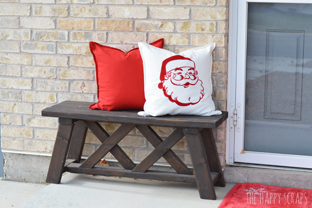 Looking for a fun holiday project? Put together this DIY Christmas Front Porch Banner to add to your front porch this holiday season.