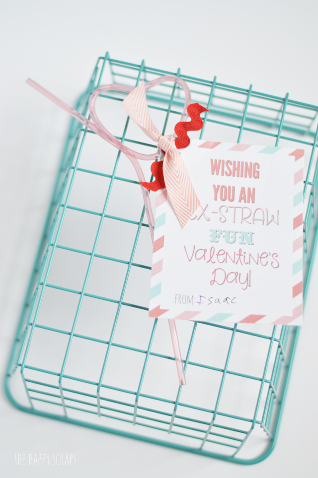 This Ex-Straw Fun Classroom Valentine is simple and fun to put together. I've got the printable for you on the blog. Just grab some crazy straws and attach the fun card and you'll be ready for Valentine's day.