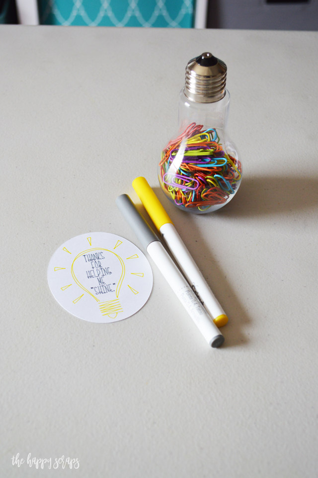 Using your Cricut, this Thanks for Helping Me Shine - Teacher Appreciation Gift is so easy to create! Use the Draw + Cut feature and you'll have these put together in no time. Plus, teachers can always use some new supplies, like these paper clips.