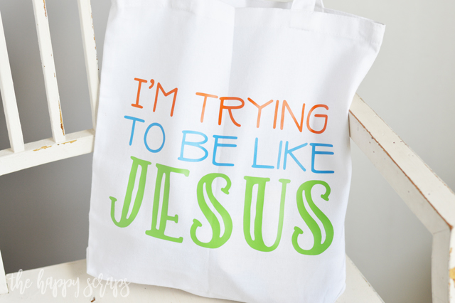This I'm Trying to be Like Jesus Toddler Church Tote is perfect for carrying snacks + activities to church to keep little ones quiet. Tutorial on the blog.