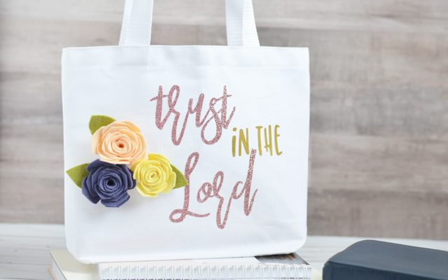 Trust in the Lord Mini Church Tote