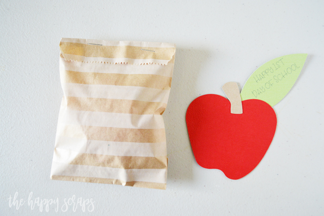 These quick + easy Back to School Paper Sack Treat Bags are the perfect little treat sack to give your kids when they get home from school on the first day!
