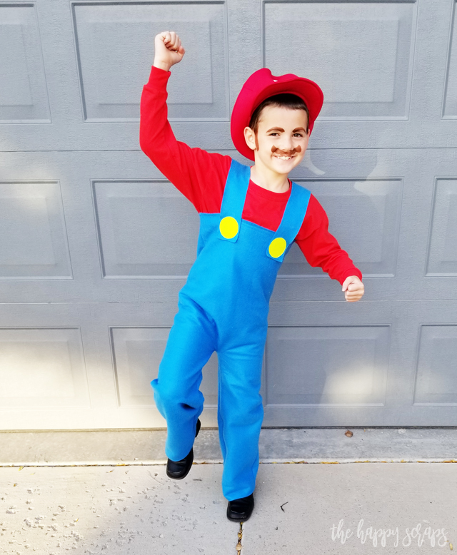 These DIY Super Mario Brothers Costumes are an easy sew project and they are the perfect group Halloween costume. Find out how to make your own on the blog.