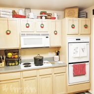 DIY Mini Christmas Wreaths for Kitchen Cabinets