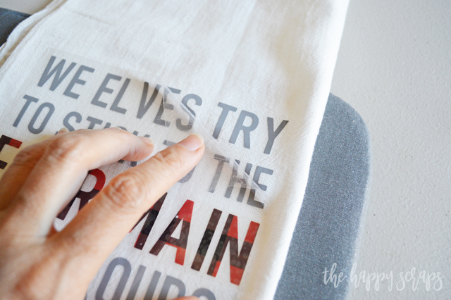 If you love the movie Elf, then you need to make some of these Elf Inspired Christmas Hand Towels. They'll look great in your kitchen + would be a great gift!