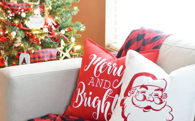 DIY Christmas Throw Pillows