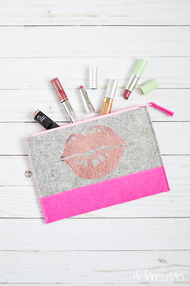 This Easy Lipstick Pouch is a quick project and perfect for keeping your lipstick and gloss in. Get the details for it on the blog.