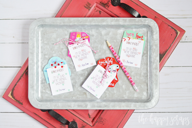 This Take Note: Classroom Valentine doesn't have candy, and the kids will love it! It is simple to put together as well. Details are on the blog.