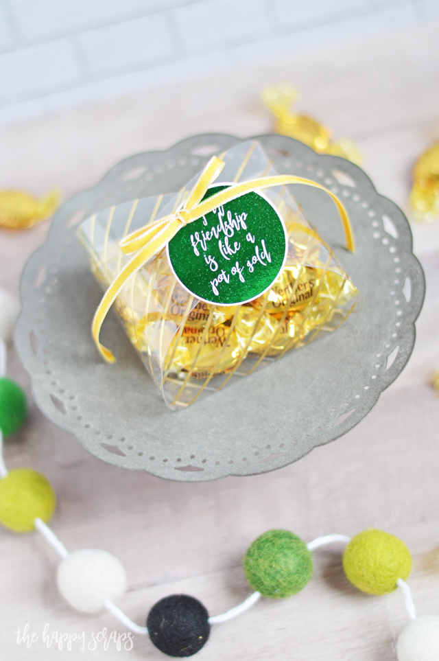 You're friends will love receiving this fun Pot of Gold St. Patrick's Day Friend Gift. Get the details for this simple project on the blog.