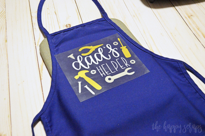 You can have this Dad's Helper Kids Tool Apron put together in just a few minutes and it will make the toddler and the dad smile. Details on the blog.