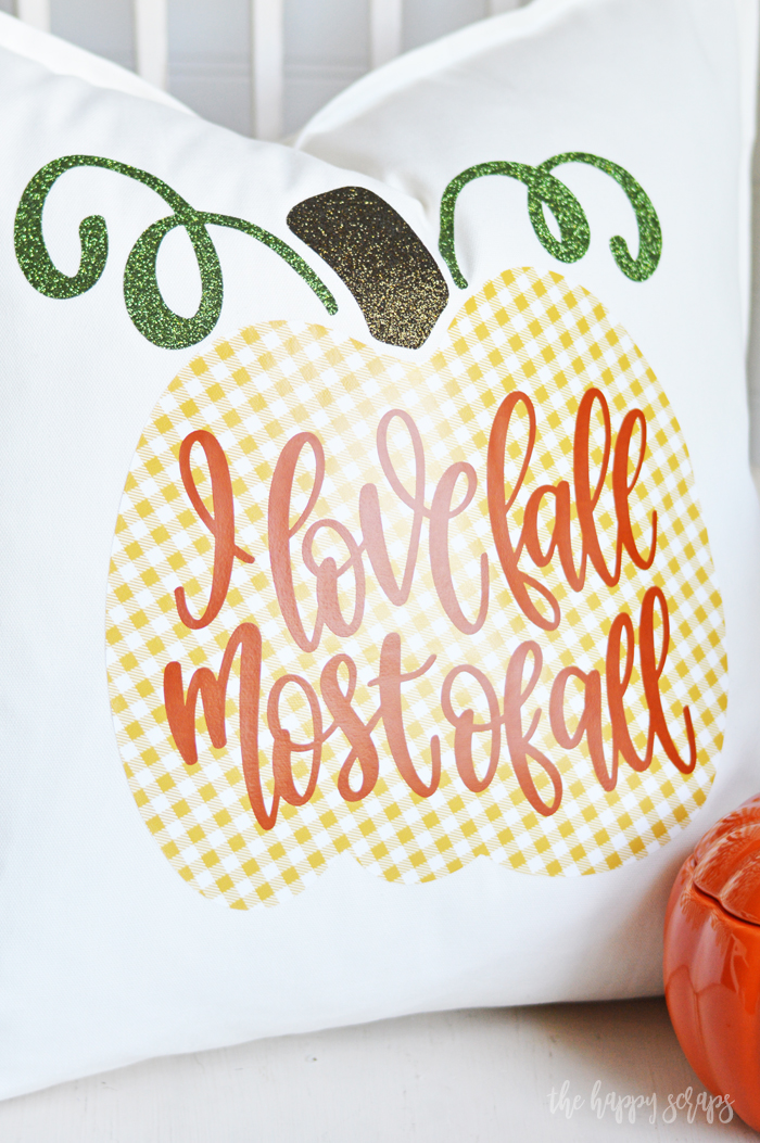 Bring Fall inside with this Simple Fall Throw Pillow. It will be the perfect addition to your other fall decor. Find the tutorial at www.thehappyscraps.com.