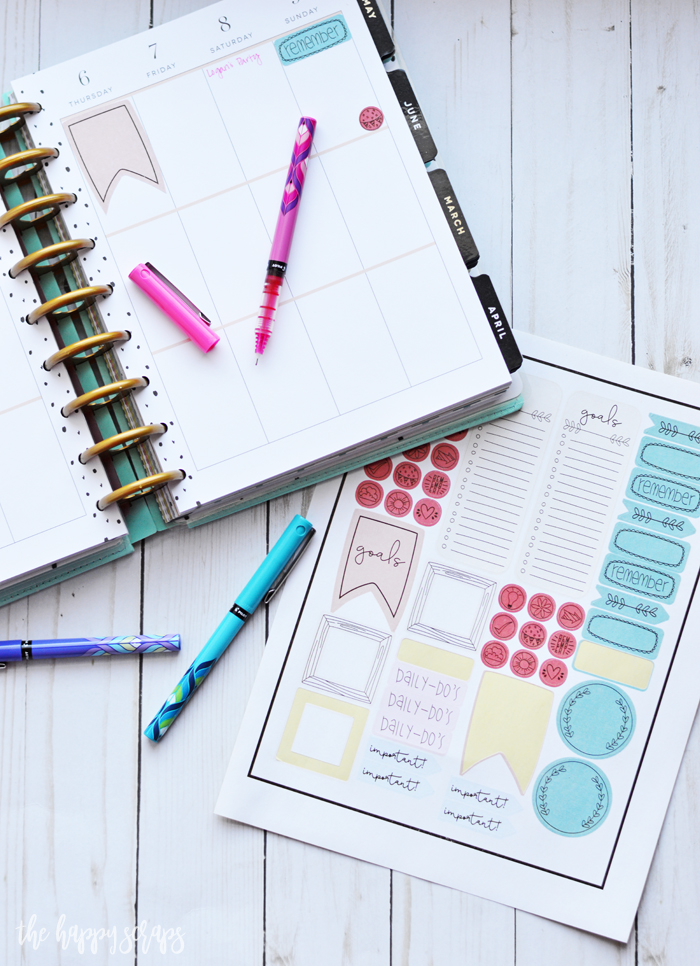 These Cricut Print then Cut Happy Planner Stickers are just what your planner needs! Grab the printable Design Space file and add these to your planner!